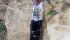 HDPli Vekil, Hasankeyfte kendini kayalara zincirleyerek protesto eylemi başlattı