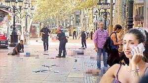 Barcelonada araçlı terör.. Minibüs yayaların arasına daldı