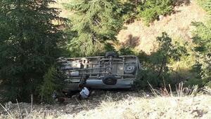 Freni boşalan minibüs şarampole yuvarlandı: 1 ölü, 13 yaralı