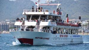 Marmariste turizmcilerin yüzü Ortadoğulu turistle güldü
