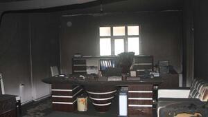 AK Parti Gevaş ilçe başkanının bürosu kundaklandı