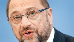 Schulz: Erdoğan  içişlerimize karışmasın