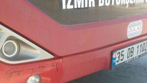 Belediye otobüsündeki Atatürk imzası ve posterine tutanak
