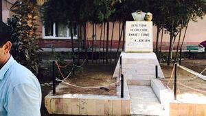 Anamur'da Atatürk büstüne çirkin saldırı - Ek fotoğraf
