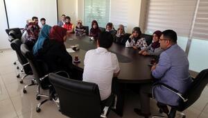 Üniversiteli gençlerden Gürpınar kaymakamına teşekkür ziyareti