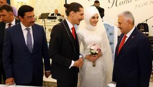 Başkan Mustafa Ak ve eşinin en mutlu günü