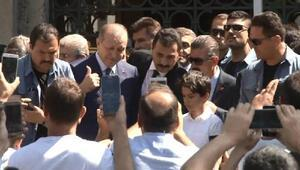 Erdoğan, Cuma namazını torunuyla kıldı