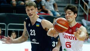 A Milli Erkek Basketbol Takımında aday kadro 13 kişiye indi