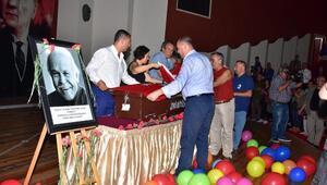 Muzaffer İzgü'ye saygı töreni