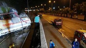 Tanker tramvay raylarına uçtu: 2 yaralı