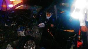 Osmancıkta otomobil otobüse çarptı: 1i çocuk 5 yaralı