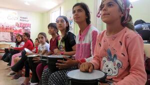 Suriyeli ve Midyatlı çocuklar yaz kursunda
