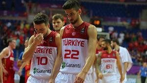 EuroBasket 2017nin ilk maçı üzdü: 12 Dev Adam Rusyaya yenildi
