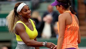 Serena Williams anne oldu Muguruza kahkahaya boğdu...