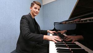 13 yaşındaki piyanist Kaana uluslararası ödül