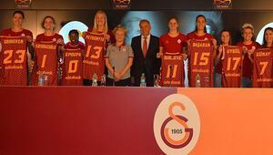 Galatasaray Kadın Basketbol Takımının yeni transferleri basına tanıtıldı