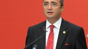 CHP Sözcüsü Tezcandan Danıştay Başkanına tepki: Cübbede iliklemek için ilik arayacağına ağzını kilitle