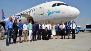 Kemer logolu uçaktan ilk uçuş