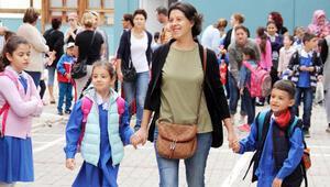 Uzmanlar: Okula uyumda ailenin desteği önemli