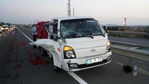 Kamyon, kamyonete çarptı: 1 yaralı