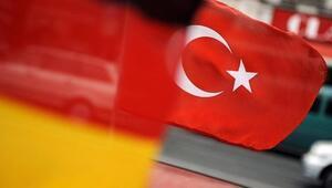 Son dakika... Almanya Türkiye'den gelen silah taleplerini askıya aldı