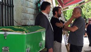 Halil Sezai babasına veda etti