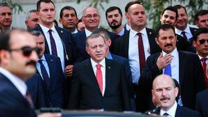 Son dakika: Erdoğanın ilgisini çekti.... Hemen yanlarına gitti...