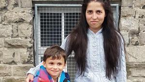 Almanyada Türk anne ve oğlu bıçaklanarak öldürüldü