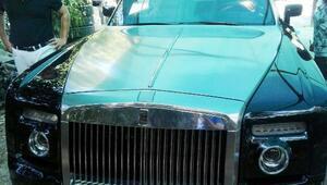 Mardanın borcu için Rolls-Roycea el konuldu