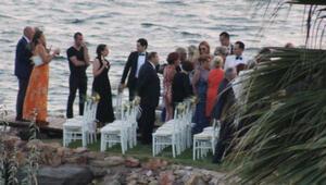 Ünlü isimleri buluşturan düğün