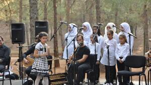 Suriyeli çocuklar  büyükelçileri duygulandırdı