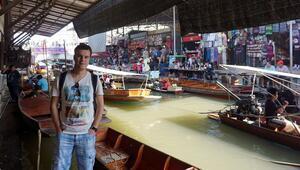 Tayland sokaklarını yalın ayak arşınlayan gezgin Türk
