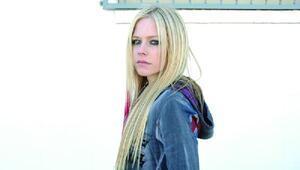 İnternette en tehlikeli ünlü Avril Lavigne