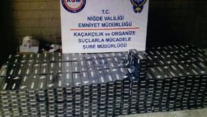 Kamyonetin zulasından 8 bin 500 paket kaçak sigara çıktı