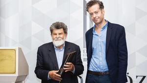 'Erdal Öz Ödülü' Cevat Çapan'a verildi