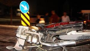 Otomobil ile çarpışan motosiklet sürücüsü kurtarılamadı