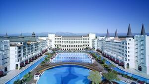 Açılışına yıldızlar katılmıştı Dev otel e-satışları da durdurdu