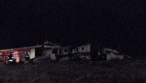 Atatürk Havalimanına uçak iniş sırasında düştü: 4 yaralı, Vali Şahin açıklama yaptı