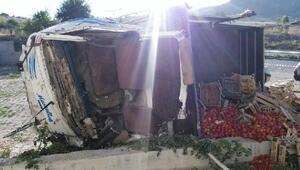 Konyada kamyonet devrildi: 2 ölü, 2 yaralı