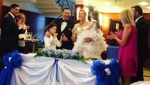 Özge Uzun boşandığı eşi Volkan Üst ile ikinci kez nikah masasına oturdu