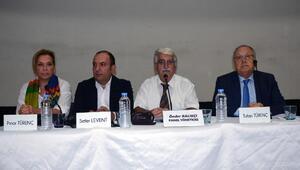 Bandırmadaki panelde, basın özgürlüğü ve ekonomi konuşuldu
