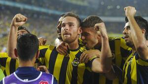Fenerbahçeden yeni transferler için imza töreni