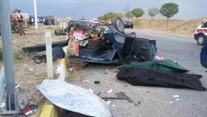 Kırıkkalede otomobiller çarpıştı; 2 ölü, 4 yaralı