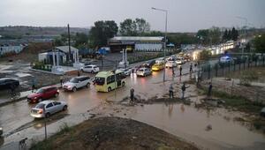 Tekirdağda sağanak yağış hayatı olumsuz etkiledi