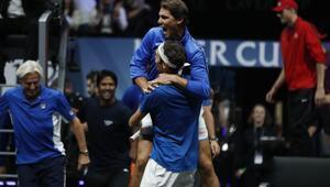 Laver Cupa noktayı Federer koydu