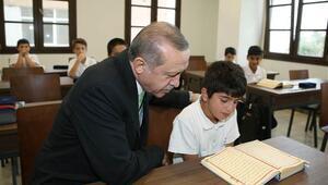 Erdoğan kendi adının verildiği lisenin açılışını yaptı