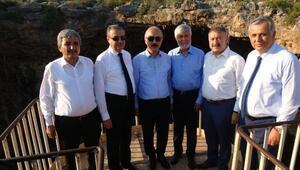 Bakan Elvandan Cennet Cehenneme turistik destek