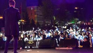Safranboluda Belgesel Film Festivali açılışında Emre Aydın konseri