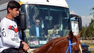 Cumhurbaşkanı Erdoğanı atlı ciritçiler karşıladı