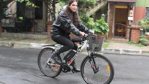 Arabayı sattım 1 yıldır elektrikli bisiklete biniyorum